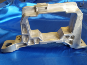 Aluminum Casting Engine Bracket Cast and Trim